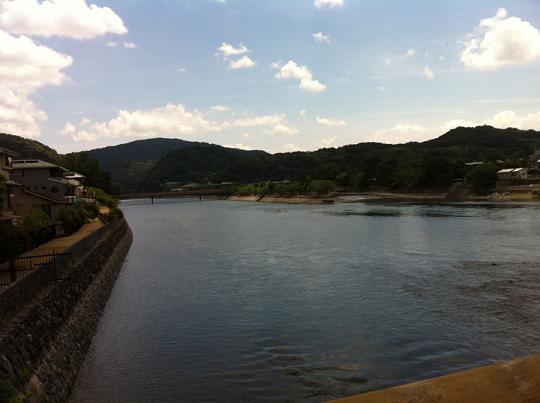 滔滔と流れる宇治川.JPG